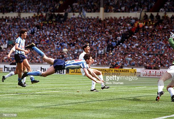 Football 1987 FA Cup Final Wembley 16th May Coventry City 3 v Tottenham Hotspur 2 Coventry's Keith Houchen scores his side's second goal with a...