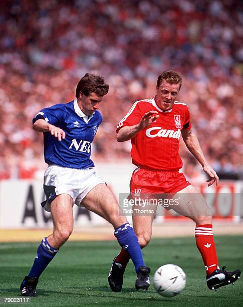 Football 1989 FA Cup Final Wembley 20th May Liverpool 3 v Everton 2 Liverpool's Steve Nicol moves in to challenge Everton's Kevin Sheedy for the ball