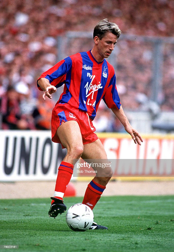 Football, 1990 FA Cup Final, Wembley, 12th May, 1990, Manchester United 3 v Crystal Palace 3, Crystal Palace's Alan Pardew on the ball.