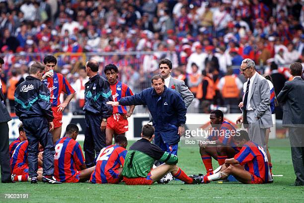Football 1990 FA Cup Final Wembley 12th May Manchester United 3 v Crystal Palace 3 Palace manager Steve Coppell giving instruction to his players in...