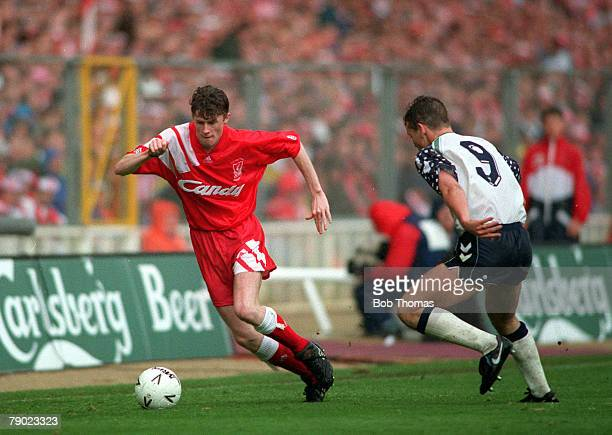 Football 1992 FA Cup Final Wembley 9th May Liverpool 2 v Sunderland 0 Liverpool's Steve McManaman on the ball challenged by Sunderland's Gordon...