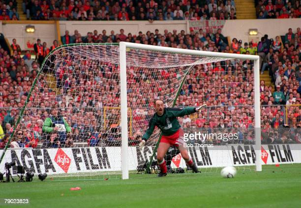 Football 1992 FA Cup Final Wembley 9th May Liverpool 2 v Sunderland 0 Liverpool's goalkeeper Bruce Grobbelaar