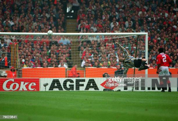 Football 1994 FA Cup Final Wembley 14th May Manchester United 4 v Chelsea 0 Chelsea's Gavin Peacock shoots against the Manchester United crossbar...