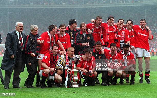 Football 1994 FA Cup Final Wembley 14th May Manchester United 4 v Chelsea 0 The victorious Manchester United team celebrate with the trophy after...