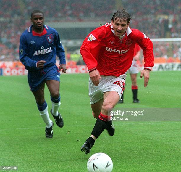 Football 1994 FA Cup Final Wembley 14th May Manchester United 4 v Chelsea 0 Manchester United's Andrei Kanchelskis on the ball