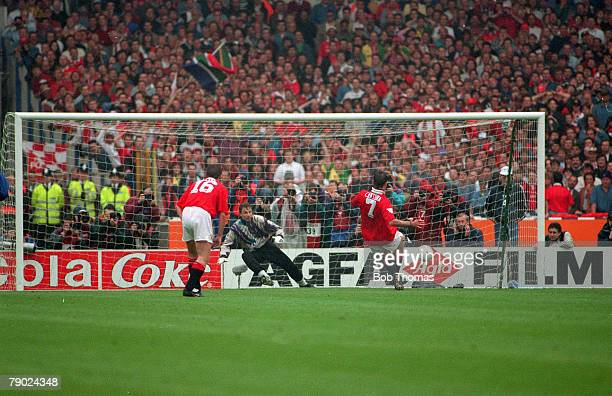 Football 1994 FA Cup Final Wembley 14th May Manchester United 4 v Chelsea 0 Manchester United's Eric Cantona scores the first of his penalties past...