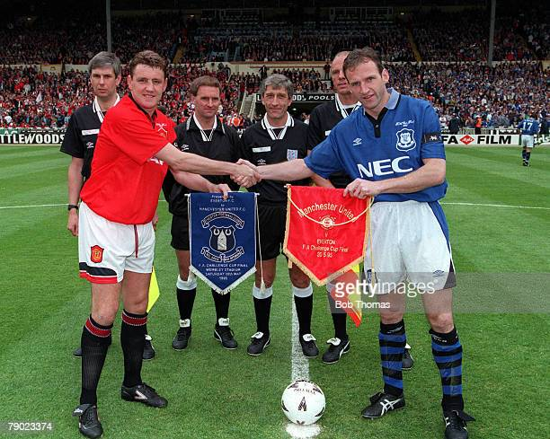 Football 1995 FA Cup Final Wembley 20th May Everton 1 v Manchester United 0 Manchester United captain Steve Bruce and Everton captain Dave Watson...