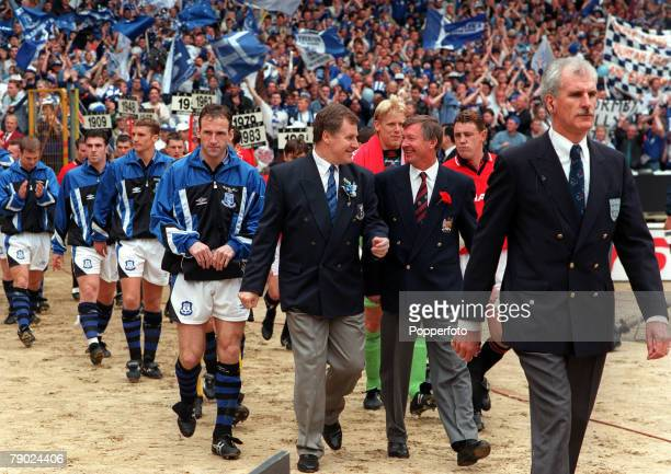 Football 1995 FA Cup Final Wembley 20th May Everton 1 v Manchester United 0 Managers Joe Royle of Everton and Alex Ferguson of Manchester United...