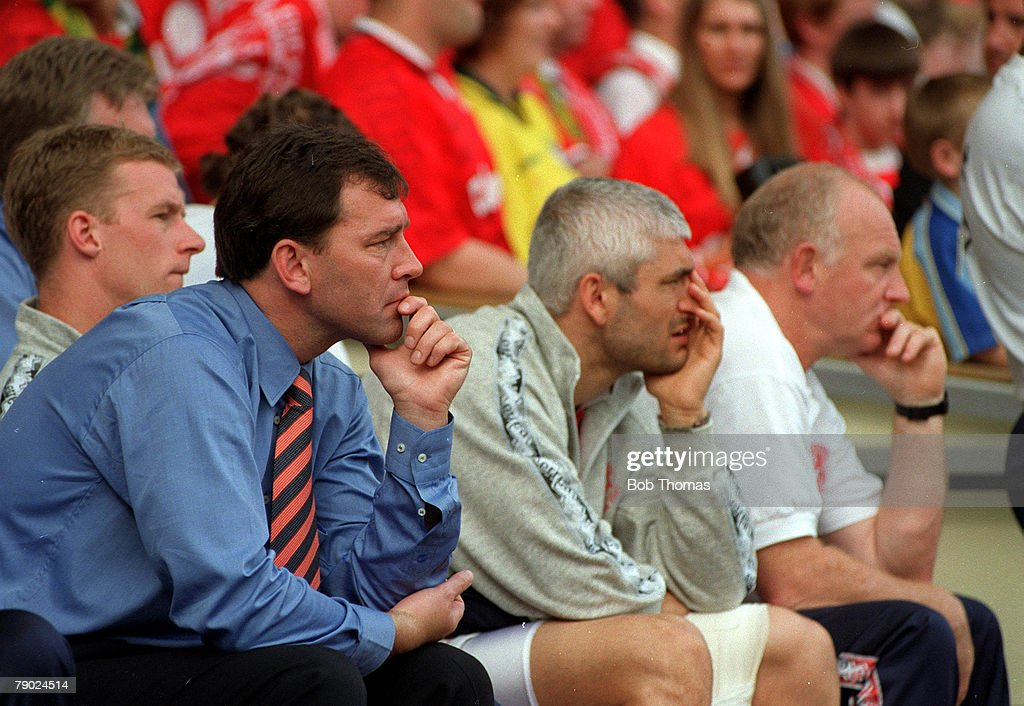 Football. 1997 FA Cup Final. Wembley. 17th May, 1997. Chelsea 2 v Middlesbrough 0. Middlesbrough manager Bryan Robson and his injured star Fabrizio Ravanelli watch the game anxiously from the bench. : News Photo