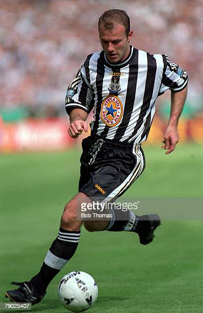 Football 1998 FA Cup Final Wembley 16th May Arsenal 2 v Newcastle United 0 Newcastle's Alan Shearer on the ball