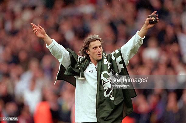 Football 1999 Worthington Cup Final Wembley 21st March Tottenham Hotspur 1 v Leicester City 0Tottenham Hotspur's David Ginola celebrates at the end