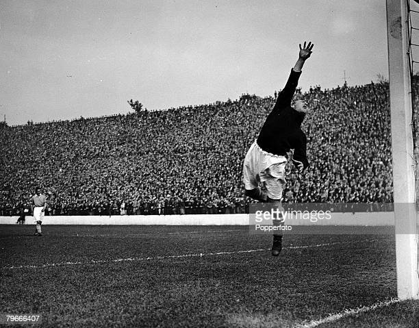 Football 19th September 1936 London England Charlton Athletic v Birmingham City The Birmingham City goalkeeper Harry Hibbs at full stretch as he...