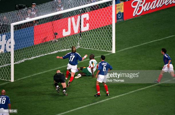 Football 2002 FIFA World Cup Finals Group A Seoul South Korea 31st May 2002 France 0 v Senegal 1 Senegal's Papa Bouba Diop scores the winning goal