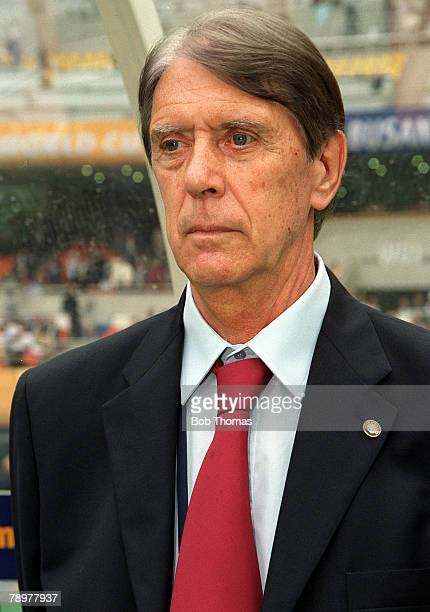 Football 2002 FIFA World Cup Finals Group B Busan South Korea 2nd June 2002 Paraguay 2 v South Africa 2 Paraguayan coach Cesare Maldini watches the...