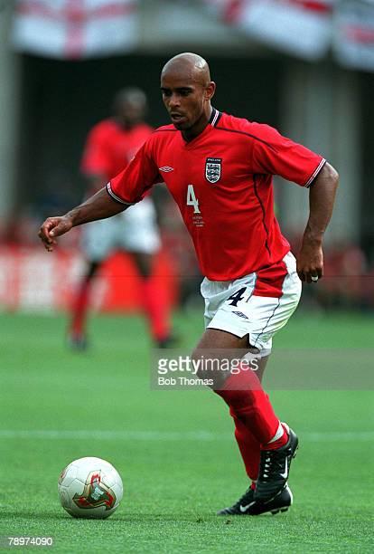 Football 2002 FIFA World Cup Finals Group F Ozaka Japan 12th June 2002 Nigeria 0 v England 0 England's Trevor SinclairCredit POPPERFOTO/JOHN MCDERMOTT