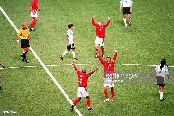 Football 2002 FIFA World Cup Finals Group F Sapporo Japan 7th June 2002 Argentina 0 v England 1 England players Trevor Sinclair David Beckham and...