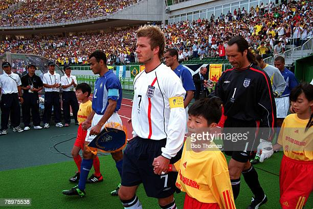 Football 2002 FIFA World Cup Finals Quarter Finals Shizuoka Japan 21st June 2002 England 1 v Brazil 2 Captains Cafu of Brazil and England's David...