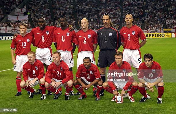 Football 2002 FIFA World Cup Finals Sapporo Japan 7th June 2002 Argentina 0 v England 1 England Team Group LR Back Row Michael Owen Sol Campbell...