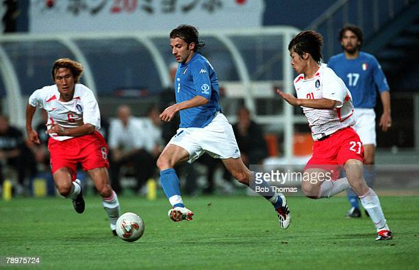 Football 2002 FIFA World Cup Finals Second Phase Daejeon South Korea 18th June 2002 South Korea 2 v Italy 1 Italy's Alessandro Del Piero runs between...
