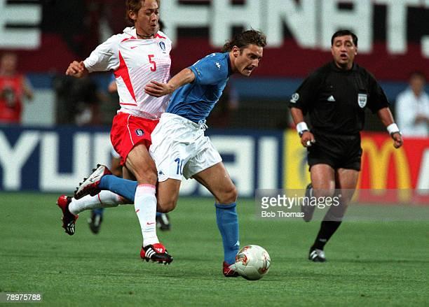 Football, 2002 FIFA World Cup Finals, Second Phase, Daejeon, South Korea, 18th June 2002, South Korea 2 v Italy 1 , Italy's Francesco Totti is...