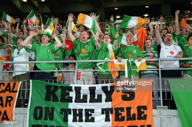 Football 2002 FIFA World Cup Finals Second Phase Suwon South Korea 16th June 2002 Spain 1 v Republic Of Ireland 1 Enthusiastic Irish fans cheer on...
