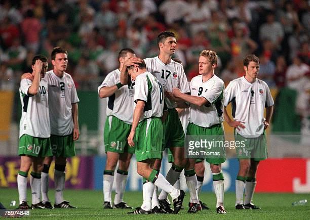 Football 2002 FIFA World Cup Finals Second Phase Suwon South Korea 16th June 2002 Spain 1 v Republic Of Ireland 1 Ireland's Matt Holland is consoled...