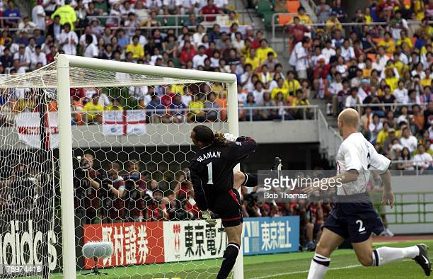 Football 2002 FIFA World Cup Finals Shizuoka Japan 21st June 2002 England 1 v Brazil 2 England goalkeeper David Seaman looks back into his goal as...