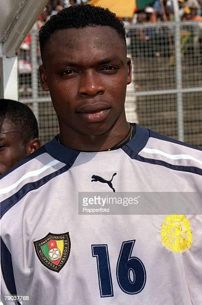 Football 2002 World Cup Qualifier African Second Round Group A Yaounde 25th February 2001 Cameroon 1 v Zambia 0 Cameroons Idriss Kameni