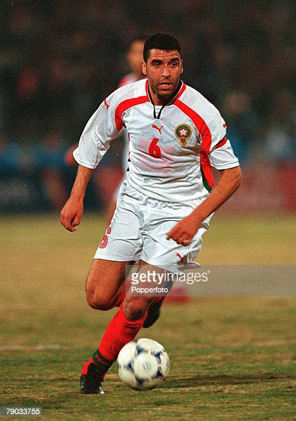 Football 2002 World Cup Qualifier African Second Round Group C Cairo 28th January 2001 Egypt 0 v Morocco 0 Morocco's Noureddine Naybet on the ball