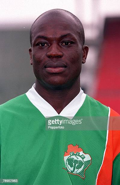 Football 2002 World Cup Qualifier African Second Round Group D 20th May 2001 Tunis Tunisia 1 v Cote d'Ivoire 1 Donald Sie of the Cote d'Ivoire