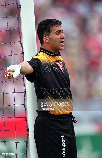 Football 2002 World Cup Qualifier African Second Round Group D 20th May 2001 Tunis Tunisia 1 v Cote d'Ivoire 1 Tunisia goalkeeper Chokri El Ouaer