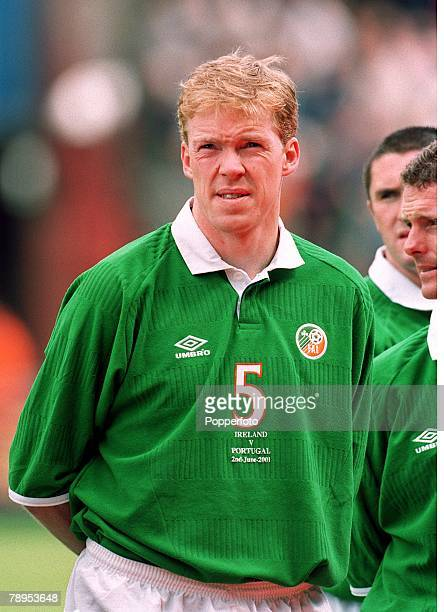 Football 2002 World Cup Qualifier Group 2 2nd June 2001 Dublin Republic of Ireland 1 v Portugal 1 Republic of Ireland's Steve Staunton