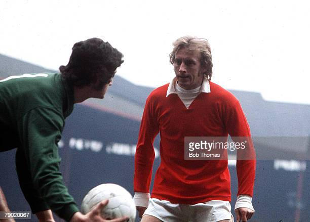 Football 26th February Manchester United's Denis Law puts pressure on the goalkeeper as he tries to throw the ball out