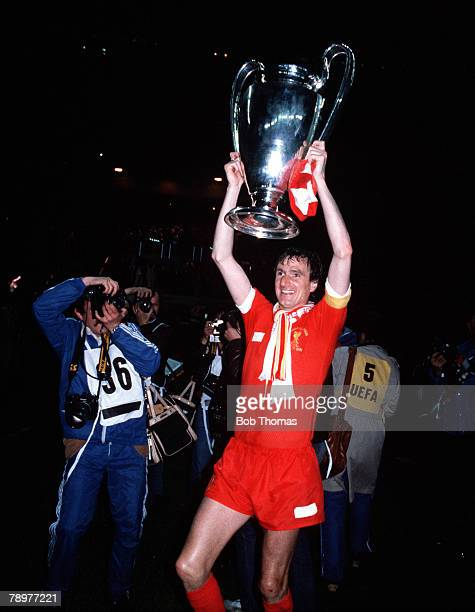 Football 27th May 1981 European Cup Final Paris France Liverpool 1 v Real Madrid 0 Liverpool captain Phil Thompson parades with the European Cup...
