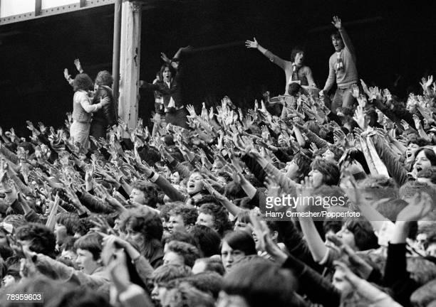 Football 29th April 1978 Goodison Park Everton Everton v Chelsea Delirious Everton fans applaud Bob Latchford's goal