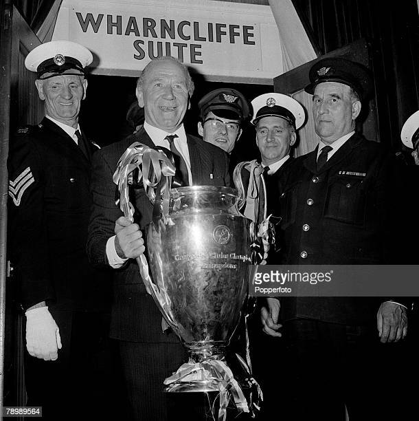 Football 29th May 1968 European Cup Final Wembley London Manchester United 4 v Benfica 1 After Extra time Manchester United manager Matt Busby...