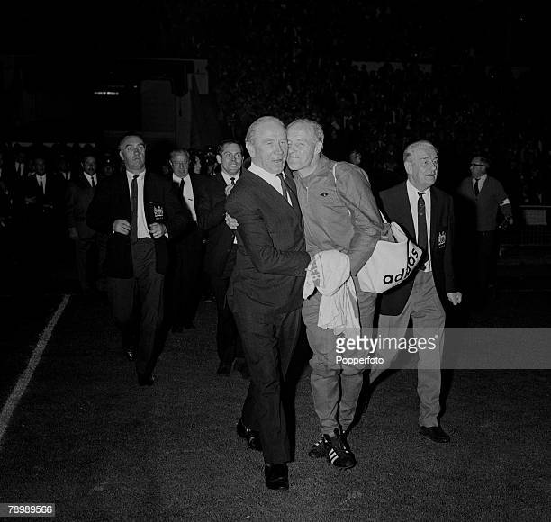 Football 29th May 1968 European Cup Final Wembley London Manchester United 4 v Benfica 1 After Extra time Manchester United manager Matt Busby is...