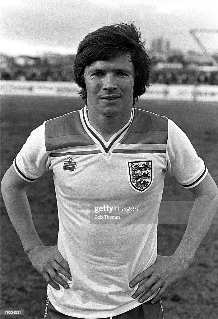 Football, 2nd June 1982, Friendly International, Iceland 1 v England +B+ 1, England+s Steve Perryman