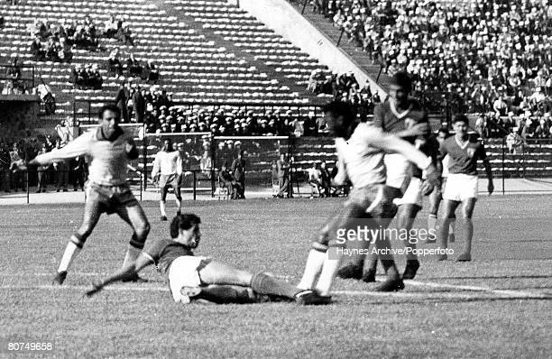 Football 30th May 1962 Vina Del Mar Chile World Cup Finals Group 3 Brazil 0 v Mexico 0 Brazil's Pele is tackled by a Mexican defender during the match