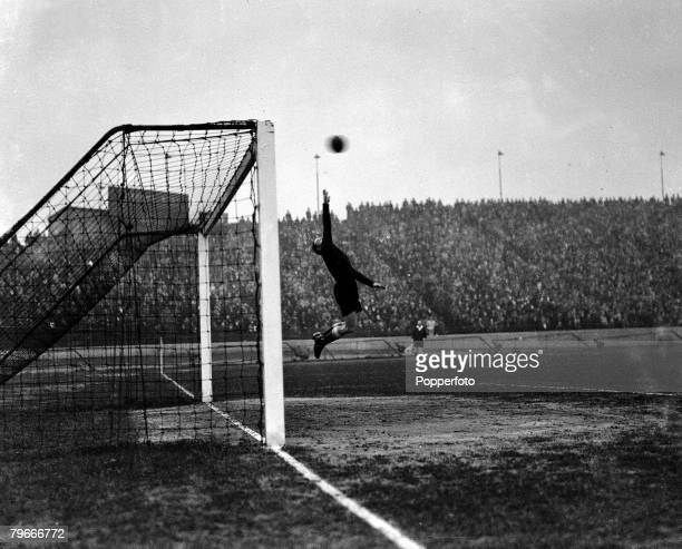 Football 6th March Jackson the Chelsea goalkeeper makes a flying leap to try and save the ball during the game against Birmingham City at Stamford...