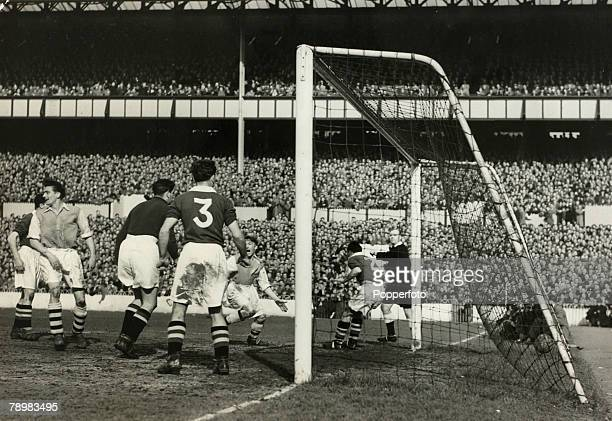 Football 7th April 1952 FA Cup SemiFinal White Hart Lane London Arsenal 3 v Chelsea 0 Arsenal's Freddie Cox scores his sides second goal