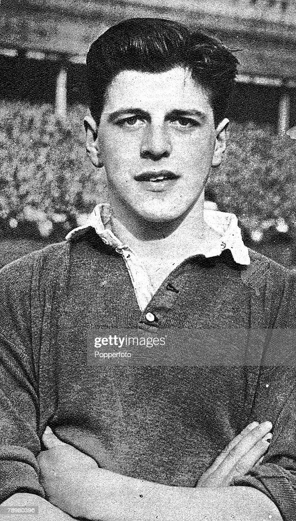 Football. 1958. A portrait of Glasgow Rangers and Scotland International full-back Eric Caldow. : News Photo