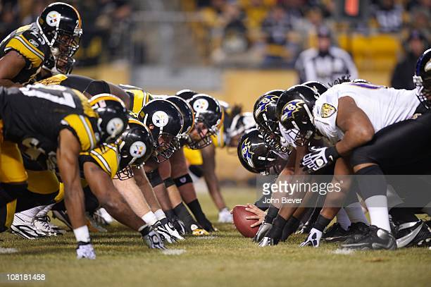 Divisional Playoffs: Pittsburgh Steelers defense at line of scrimmage vs Baltimore Ravens offense at Heinz Field.Pittsburgh, PA 1/15/2011CREDIT: John...