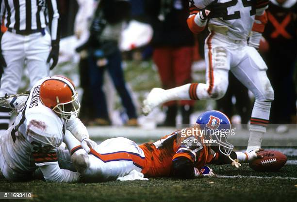 AFC Playoffs Denver Broncos Gerald Willhite scoring touchdown vs Cleveland Browns at Cleveland Municipal Stadium Cleveland OH CREDIT John D Hanlon