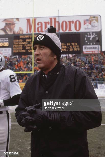 Playoffs: Oakland Raiders coach Tom Flores before game vs Cleveland Browns at Cleveland Municipal Stadium. Cleveland, OH 1/4/1981 CREDIT: Heinz...