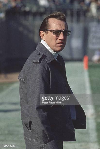 AFC Playoffs Oakland Raiders owner Al Davis on sidelines during game vs New England Patriots at OaklandAlameda County Coliseum Oakland CA CREDIT...