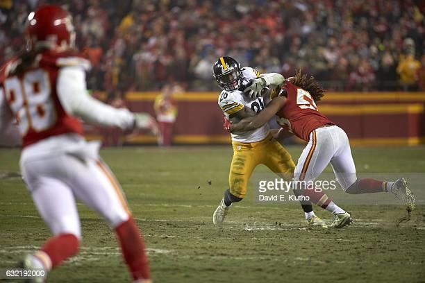 AFC Playoffs Pittsburgh Steelers Le'Veon Bell in action rushing vs Kansas City Chiefs Ramik Wilson at Arrowhead Stadium Kansas City MO CREDIT David E...