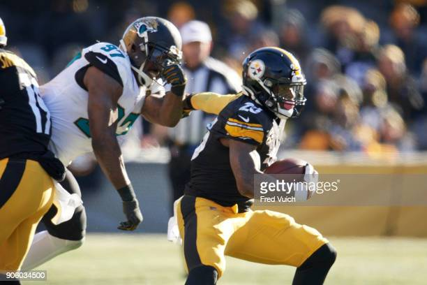 AFC Playoffs Pittsburgh Steelers Le'Veon Bell in action rushing vs Jacksonville Jaguars at Heinz Field Pittsburgh PA CREDIT Fred Vuich