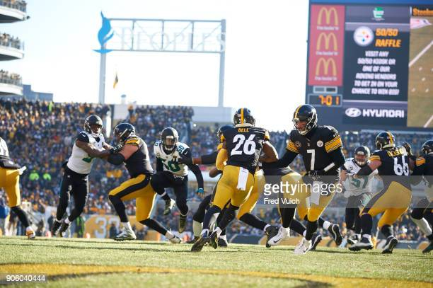 AFC Playoffs Pittsburgh Steelers QB Ben Roethlisberger in action handing off to Le'Veon Bell vs Jacksonville Jaguars at Heinz Field Pittsburgh PA...