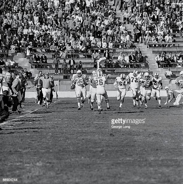 AFL Championship San Diego Chargers Paul Lowe in action rushing vs Buffalo Bills San Diego CA CREDIT George Long
